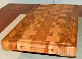 fabriquer un comptoir de cuisine en bois finition et entretien d une planche à découper d un bloc de boucher