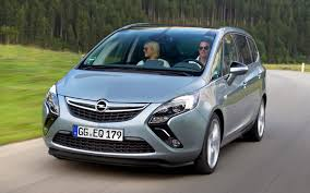 opel minivan under gm psa deal opel and citroen trade development duties