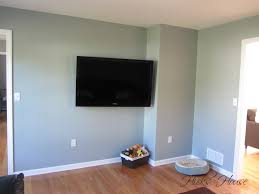 benjamin moore silver mink in tv room hicks house diys crafts
