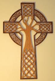 mirad el arbol de la donde estuvo clavada nuestra salvación