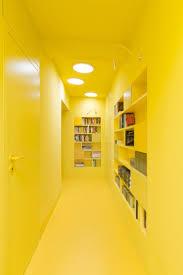 Couleur De Peinture Pour Couloir Sombre by 49 Best Couloir étroit Images On Pinterest Stairs Hallways And Home