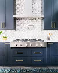 Modern Backsplashes For Kitchens by Best 25 Navy Blue Kitchens Ideas On Pinterest Navy Cabinets
