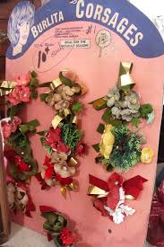 Christmas Ornaments Cheap Bulk by 10 Tips For Buying Vintage Christmas Ornaments From A Flea Market