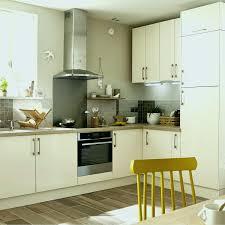 cuisine de perle revetement mural cuisine leroy merlin fresh meuble de cuisine beige