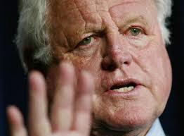 Der amerikanische Senator Ted Kennedy ist nach langer Krankheit verstorben. Der Bruder des früheren Präsidenten John ... - 7513053-f1af68460cd5ce0417fc3db827d25bcc