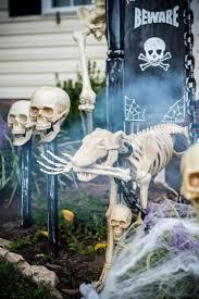 diy halloween trick or treat skeleton decorations skeleton