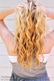how to get beachy waves on shoulder lenght hair how to get beach waves with a curling wand youtube