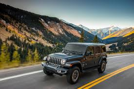 jeep boss mike manley confirms jeep confirms wrangler plug in hybrid for 2020 lineup