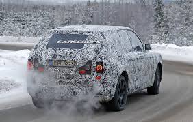 rolls royce suv rolls royce cullinan spied testing at arctic circle throttle blips