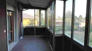 chiudere veranda veranda chiusa a vetri affordable collage aperta e chiusa vetrata