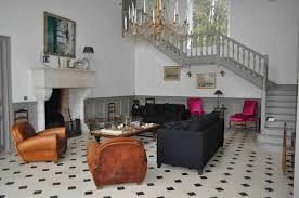 decoration maison de luxe rénovation de fauteuils de style et design atelier secrea