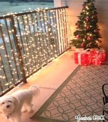 christmas decoration ideas for apartments apartment balcony christmas decorating ideas utnavi info