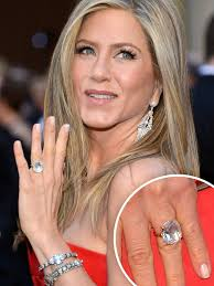 top engagement rings a peak at jen aniston s engagement ring at the oscars king