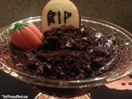graveyard pudding cups muffinsandmeat