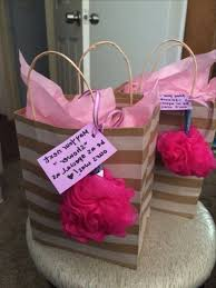 prizes for baby shower pretentious idea baby shower prize ideas best 25 prizes on