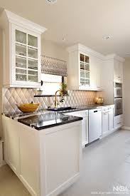 does kitchen sink need to be window 3 best kitchen sink window treatments made in the shade