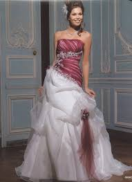 robe de mari e bicolore trouver sa robe de mariée quand on mesure plus d 1m80