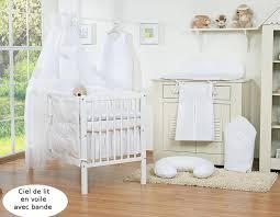 chambre osier en osier marron avec bande blanc à coeurs