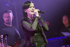dolores o u0027riordan dead celebrities mourn the cranberries singer