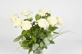 bouquet de fleurs roses blanches bouquet de roses blanche u2013 chantilly livraison fleurs le mans