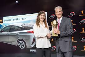 world auto toyota toyota prius prime wins 2017 world green car award