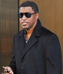 kenneth u0027babyface u0027 edmonds escapes injury in la mansion fire