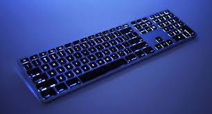 dual battery wireless backlit keyboard for mac has it all