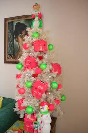 jen perkins u0027 colorful christmas home tour part 2 blog treetopia