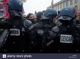 si e front national ganz links und antifa aktivisten nehmen sie die straße front