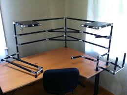 Steel Pipe Desk by Lean Pipe Computer Desks 3 Steps With Pictures