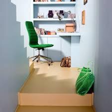 bureau fait maison un petit bureau fait d une simple planche