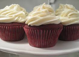 red velvet cupcakes with cream cheese frosting mybestdaysever com