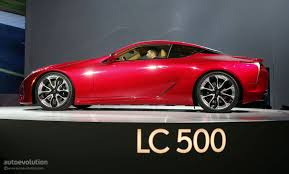 lexus lc luxury coupe 2017 lexus lc 500 hunts down mercedes s class coupe in detroit