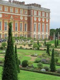 Hampton Court Palace The Privy Garden U0027the Little Gentleman In