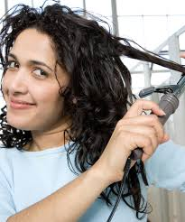 can hair be slightly curly or wavy how to make wavy hair curl evenly naturallycurly com