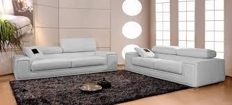 canap en cuir gris canapé en cuir italien 2 places deux fauteuils