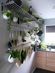 cuisine avec etagere etagere cuisine murale rangement mural pour la cuisine avec etagere