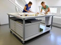 arbeitstische rolltische und tischwagen laborwagen made in germany
