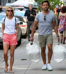 kelly ripa children pictures 2014 kelly ripa s husband mark carries bags in new york after pair sell