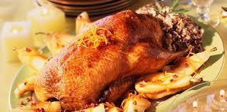 cuisiner une oie pour no oie farcie et poires recette sur cuisine actuelle