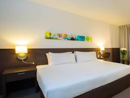 Queen Bed Frames For Sale In Cairns Holiday Inn Cairns Harbourside Australia Booking Com