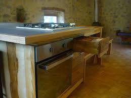 fabriquer sa cuisine construire sa cuisine en bois avec meubles de porte meuble sur