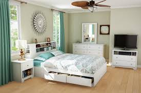 Small Bedroom With King Size Bed Bedroom Modern Striped Area Rug Baby Powder Hardwood Storage Bed