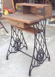 Singer Sewing Machine Desk Best 25 Old Sewing Machine Table Ideas On Pinterest Vintage