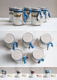 cadeau original mariage 7 cadeaux d invités originaux pour coller au thème de votre mariage