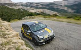 renault rally twingo renaultsports entry level rally car widescreen exotic car