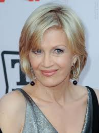 diane sawyer wearing her hair in a short bob hairstyle that rests