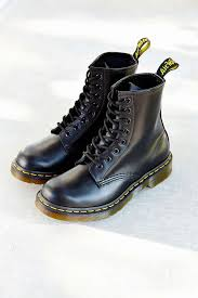 dr martens womens boots canada dr martens 1460 smooth boot outfitters