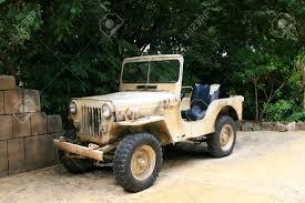 old jeep oude amerikaanse jeep royalty vrije foto plaatjes beelden en