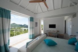 caribbean themed bedroom caribbean themed bedroom bedroom tropical with plafond en pente